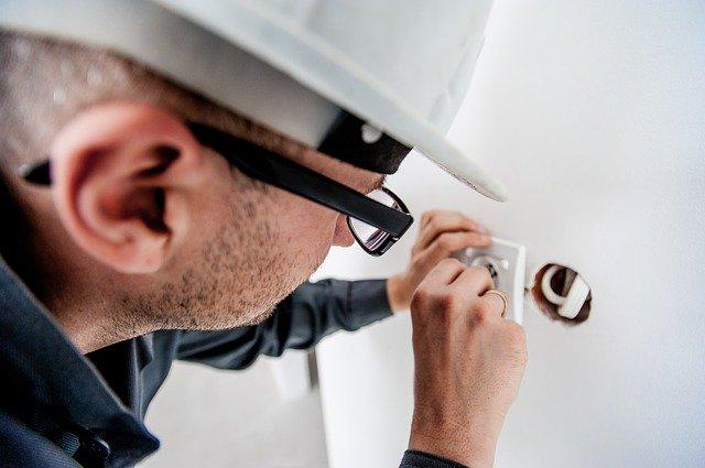 standar keselamatan kerja listrik tegangan tinggi